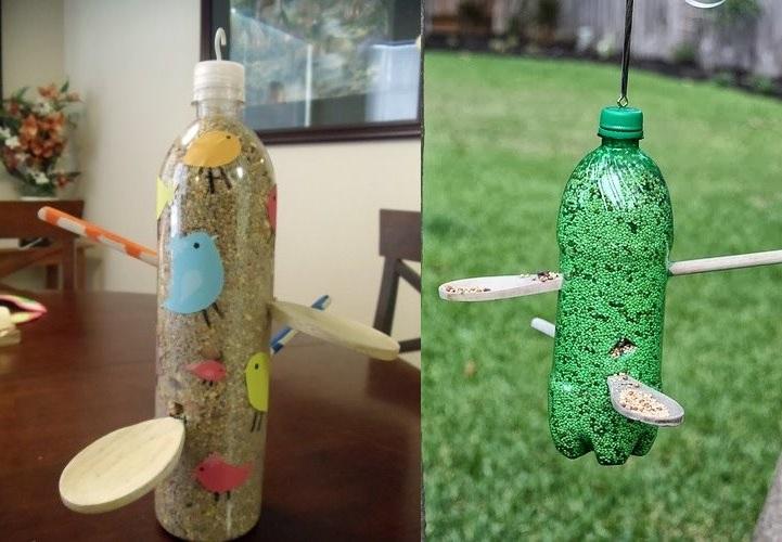 кормушка из ложек и пластиковой бутылки