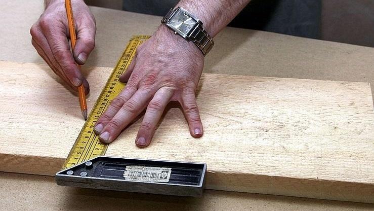 переносим чертеж на деревянные заготовки