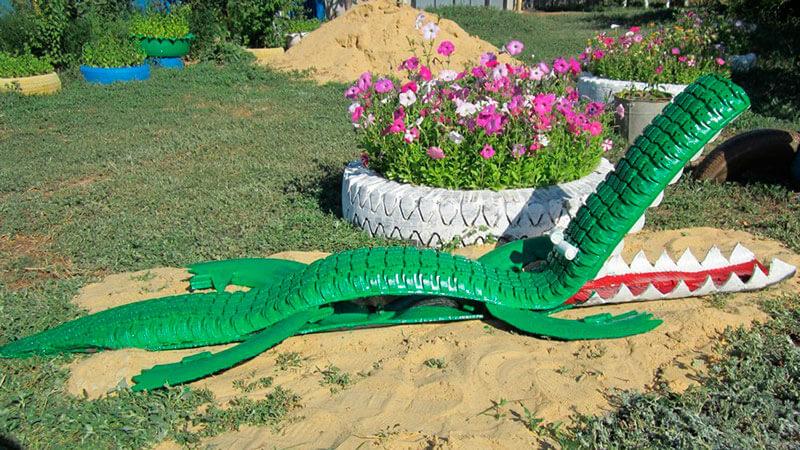 фигура крокодила из автошин