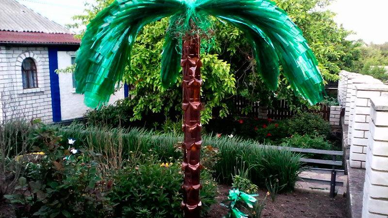 пальмы из пластиоквых бутылок