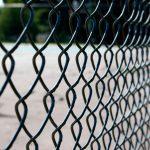 Забор из сетки рабицы своими руками. миниатюра
